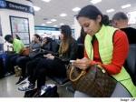 mobile_user_at_airport_ap